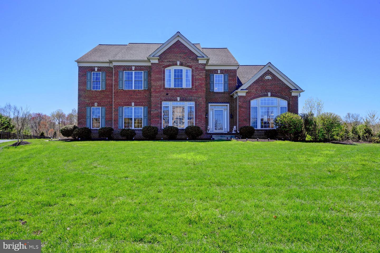 Частный односемейный дом для того Продажа на 15 WINDWARD WAY Robbinsville, Нью-Джерси 08691 Соединенные ШтатыВ/Около: Robbinsville Township