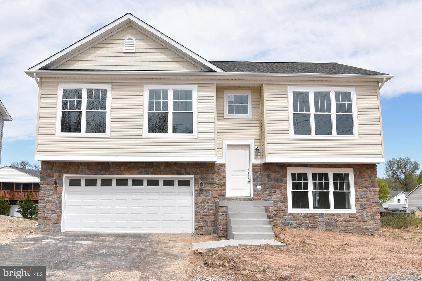 Single Family for Sale at 208 Shannon Park Ct 208 Shannon Park Ct Glen Burnie, Maryland 21060 United States