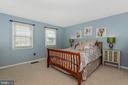 Master Bedroom w/Walk In Closet - 172 GOLD KETTLE DR, GAITHERSBURG