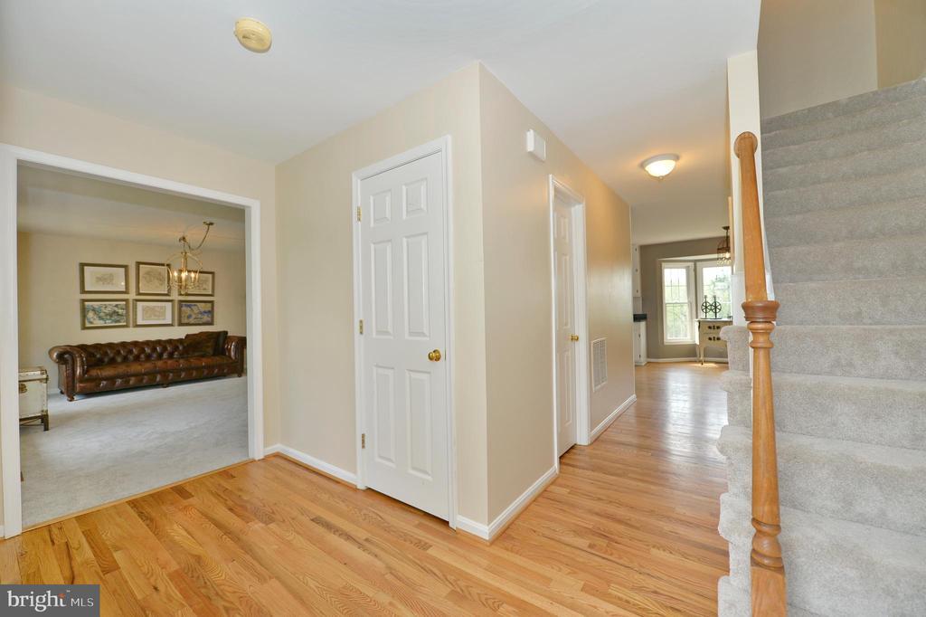 Foyer- Entrance - 1403 CAMPBELL CT NE, LEESBURG