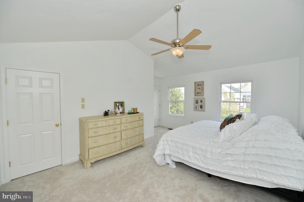 Master bedroom - 1403 CAMPBELL CT NE, LEESBURG