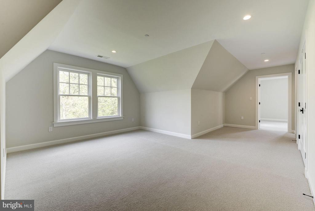 Third floor loft space - lots of possibilities! - 2939 STEPHENSON PL NW, WASHINGTON