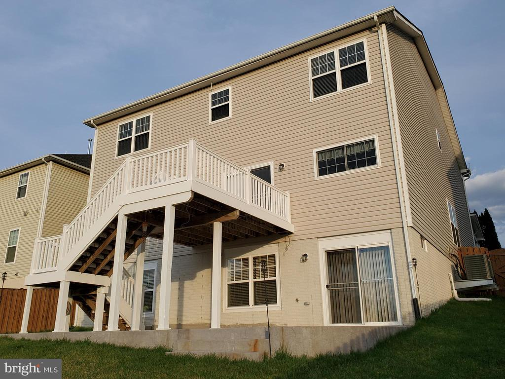 Thousands of dollars in exterior improvements! - 4152 AGENCY LOOP, TRIANGLE