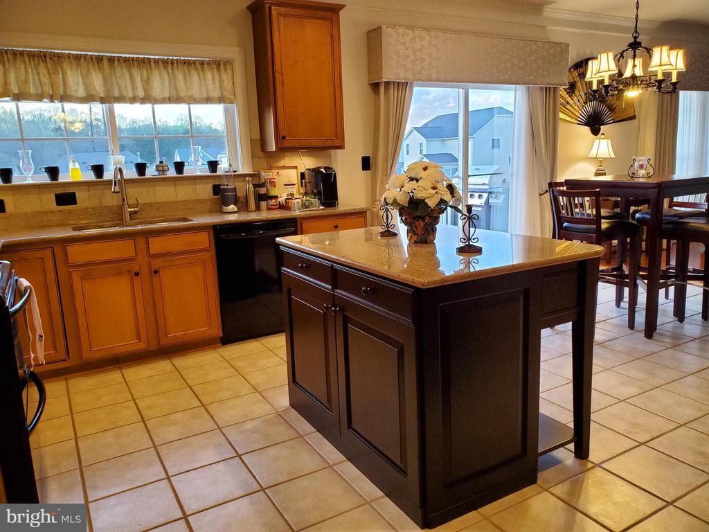 Custom Kitchen island with organizer drawers. - 4152 AGENCY LOOP, TRIANGLE