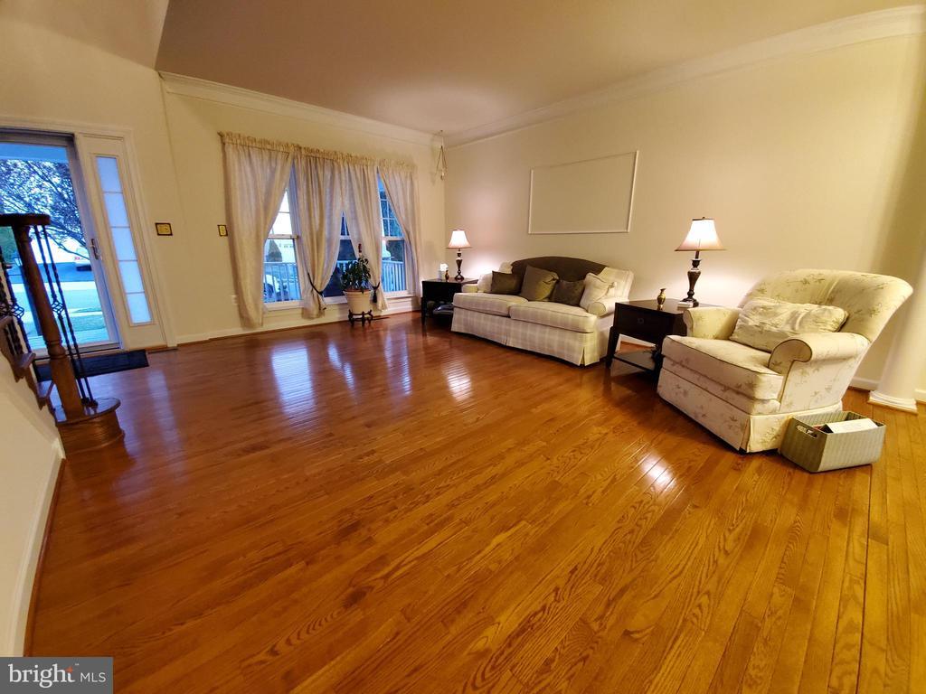 A virtual sea of beautiful hardwood flooring! - 4152 AGENCY LOOP, TRIANGLE