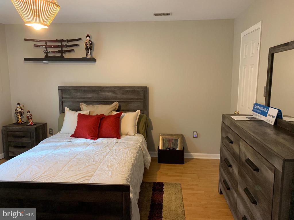 Bedroom 2 ( First floor) - 22960 REGENT TER, STERLING