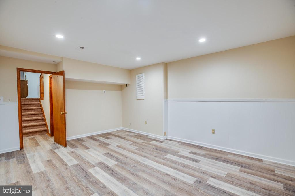 Recreation room or office in the lower level - 8427 BATTLE PARK DR, SPOTSYLVANIA