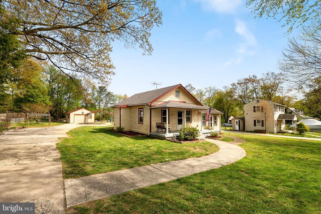 One of Kingstowne 3 Bedroom Homes for Sale at 7409  GENE STREET