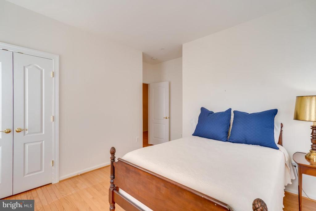 Bedroom 3 - 1869 AMBERWOOD MANOR CT, VIENNA