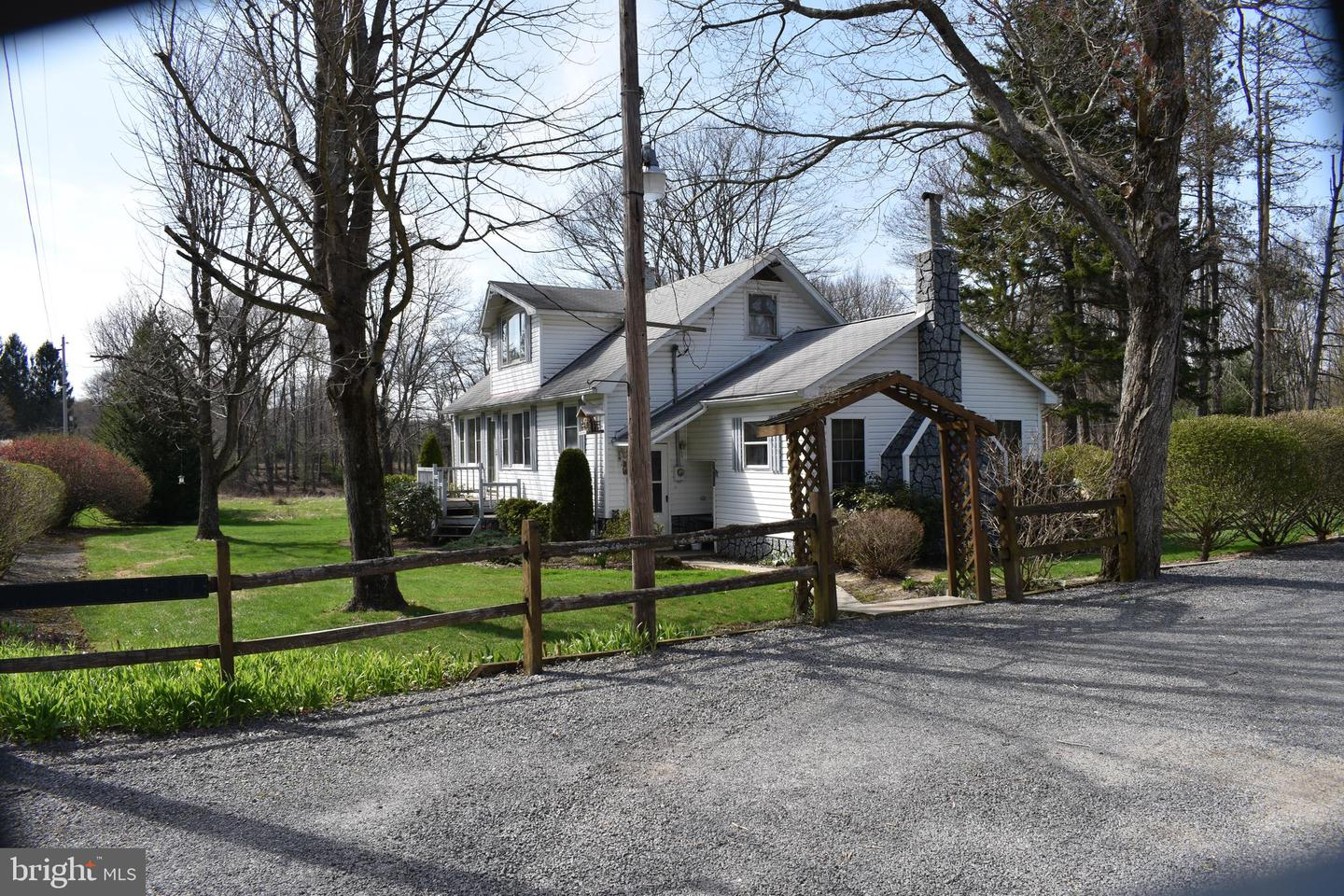 Single Family for Sale at 1875 Fingerboard Rd Oakland, Maryland 21550 United States