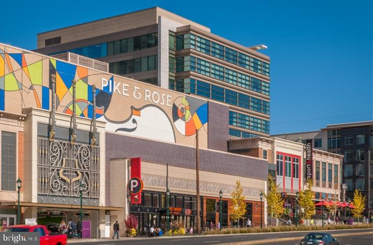 Pike & Rose Dining - 5124 STRATHMORE AVE, NORTH BETHESDA
