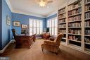 Library with Custom Built-ins - 36158 SILCOTT MEADOW PL, PURCELLVILLE