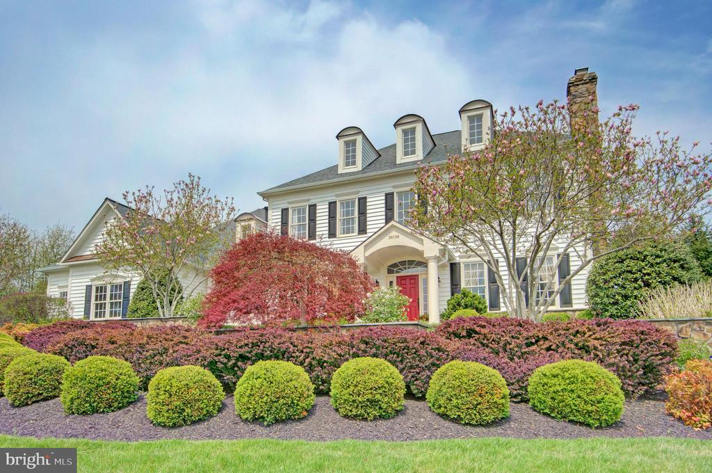 Beautiful Estate Home in Purcellville - 36158 SILCOTT MEADOW PL, PURCELLVILLE