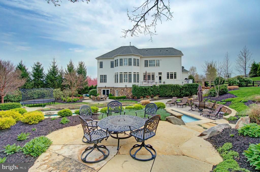 2nd Patio Overlooking the Pool - 36158 SILCOTT MEADOW PL, PURCELLVILLE