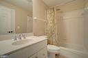 Full Bathroom in the Rec Room - 36158 SILCOTT MEADOW PL, PURCELLVILLE