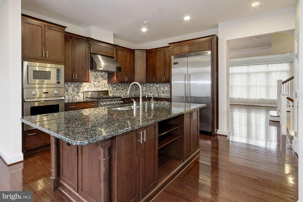 Professional Stainless Steel Viking Appliances - 5124 STRATHMORE AVE, NORTH BETHESDA