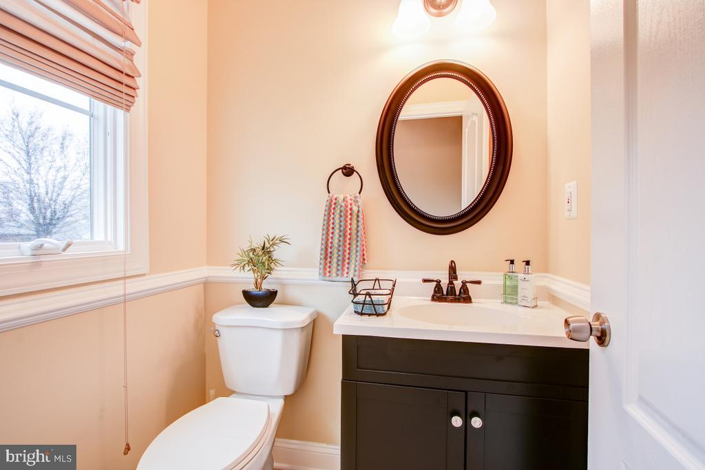 Well appointed 1/2 bath on main level - 1730 S FILLMORE ST, ARLINGTON