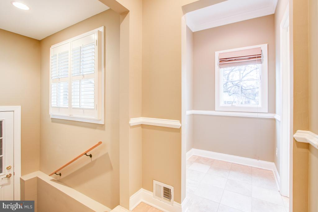 View of mudroom and garage access - 1730 S FILLMORE ST, ARLINGTON