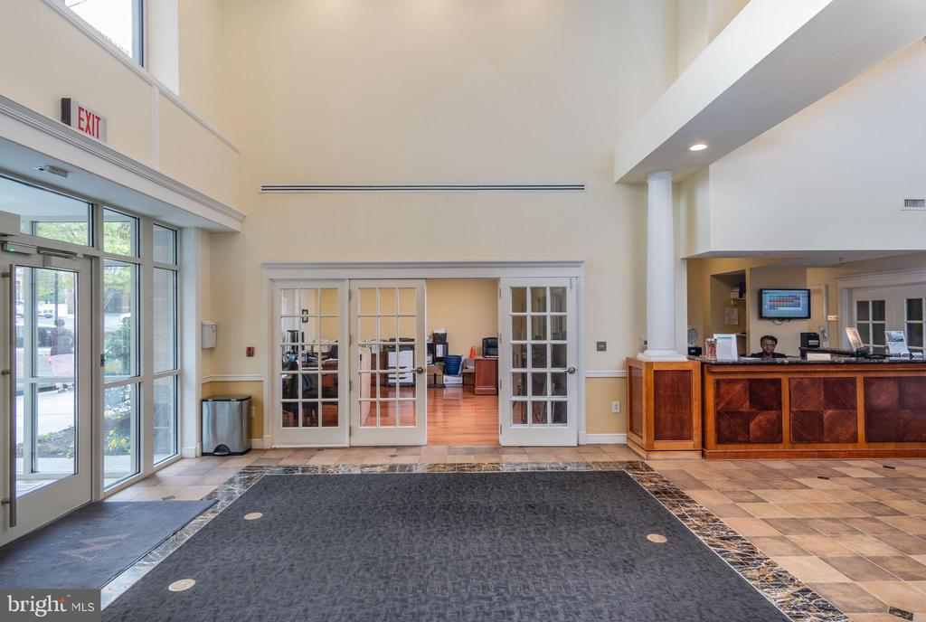 Lobby/Concierge Area - 2726 GALLOWS RD #1505, VIENNA