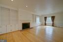 Large Family Room with Built-Ins - 12126 MERRICKS CT, MONROVIA