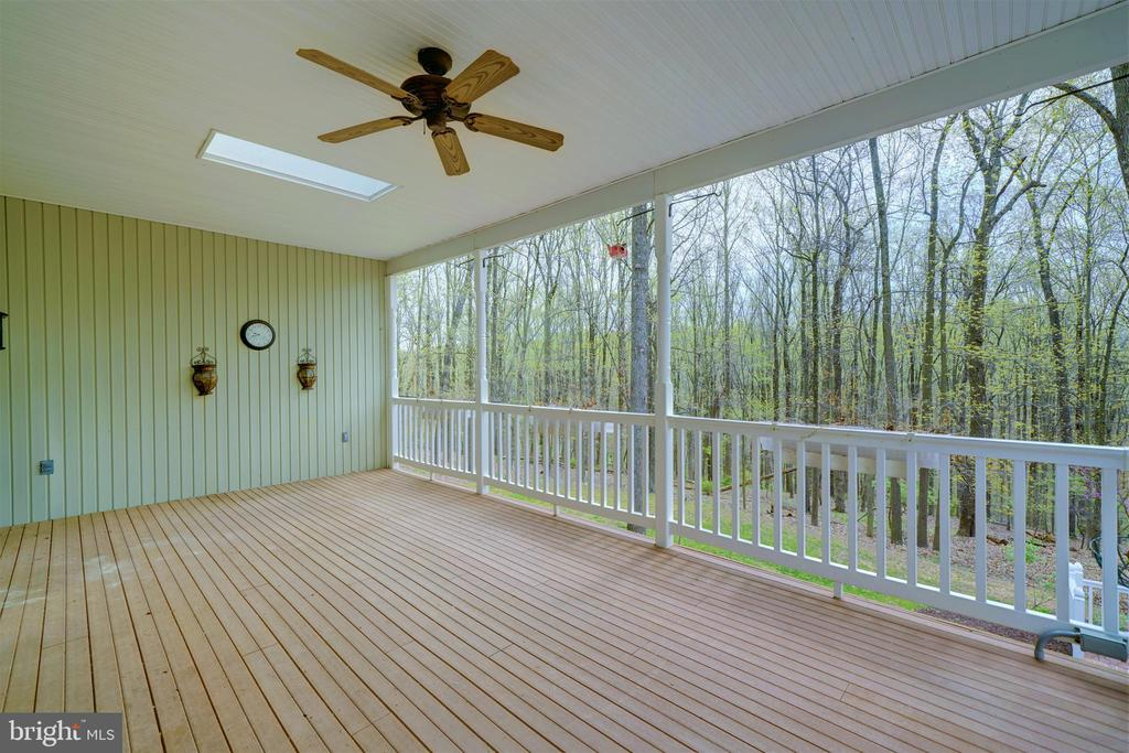 Covered Deck with Skylights - 12126 MERRICKS CT, MONROVIA