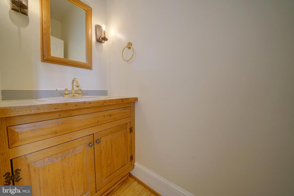 Half Bath on Main Level - 12126 MERRICKS CT, MONROVIA