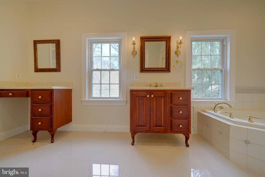 Master Bathroom - 12126 MERRICKS CT, MONROVIA