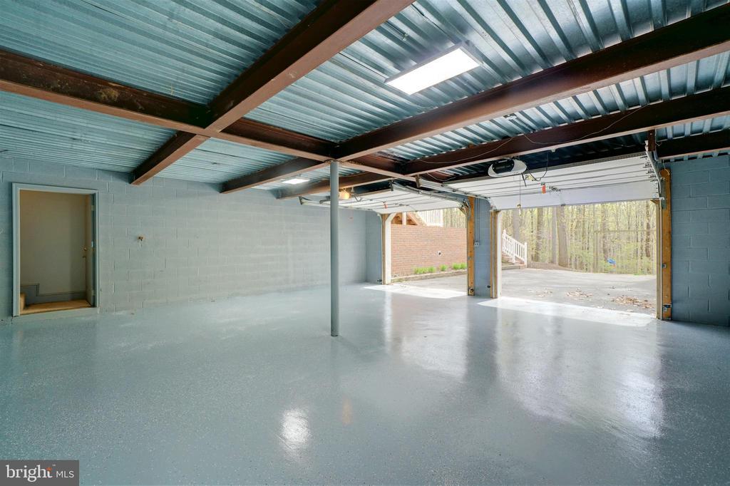 Additional 2 Car Garage in Rear of Home - 12126 MERRICKS CT, MONROVIA