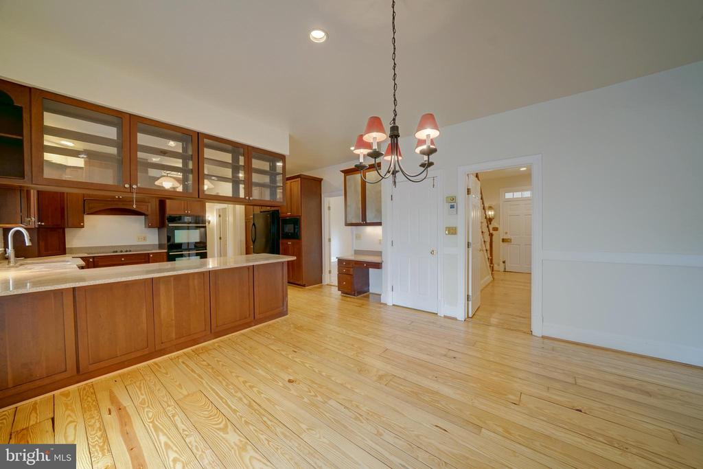 Breakfast Room off Kitchen - 12126 MERRICKS CT, MONROVIA