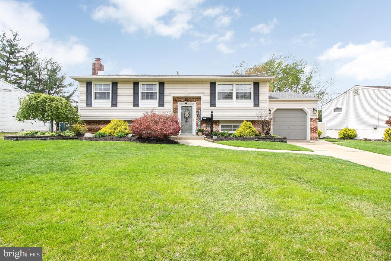 Частный односемейный дом для того Продажа на 6 EATON Circle Laurel Springs, Нью-Джерси 08021 Соединенные Штаты