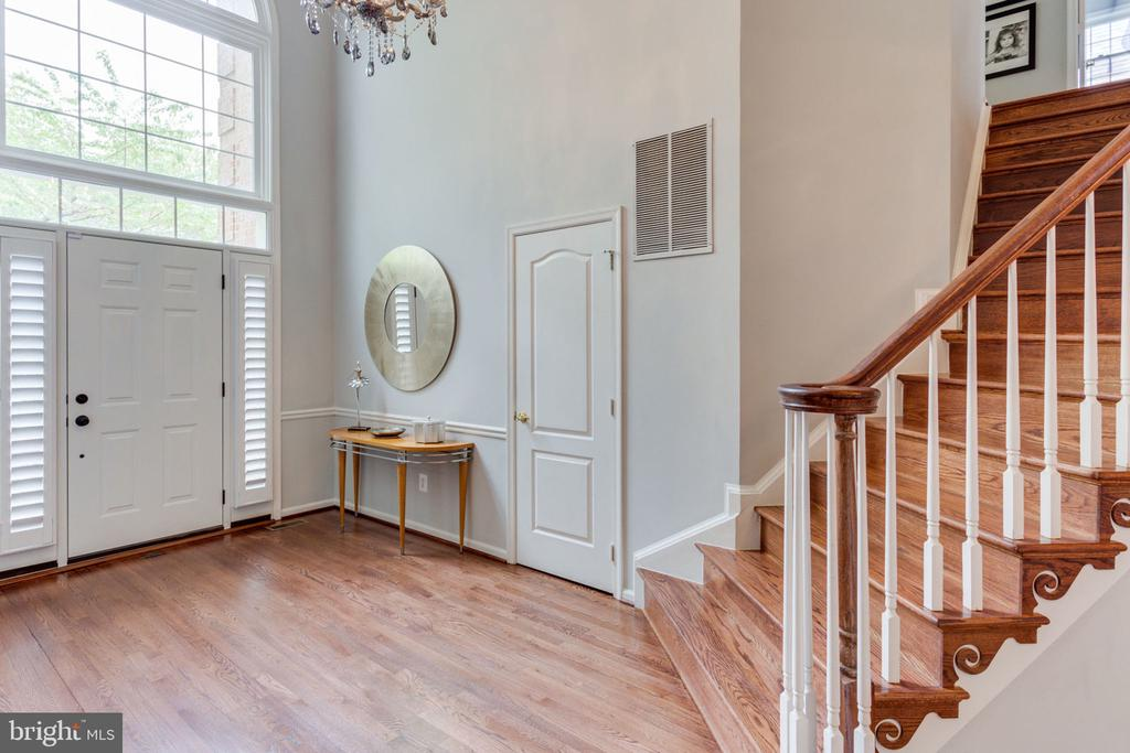 Two story Spacious Entry Foyer - 2232 CENTRAL AVE, VIENNA