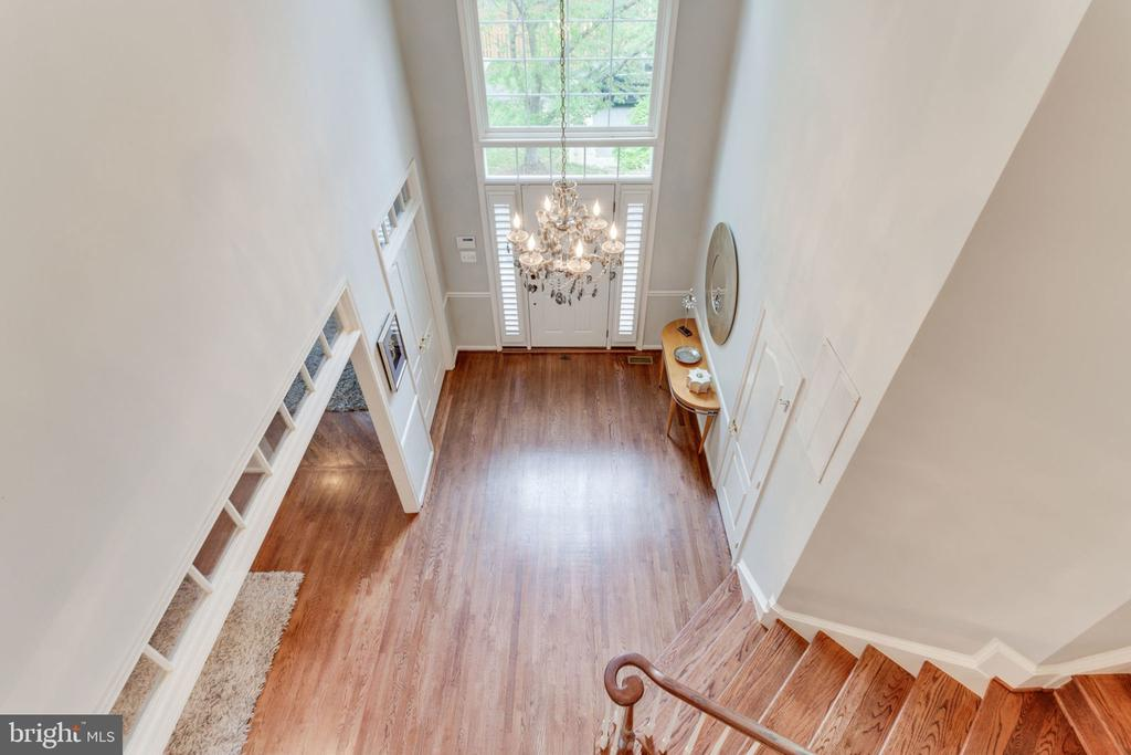 Two Story Foyer - 2232 CENTRAL AVE, VIENNA
