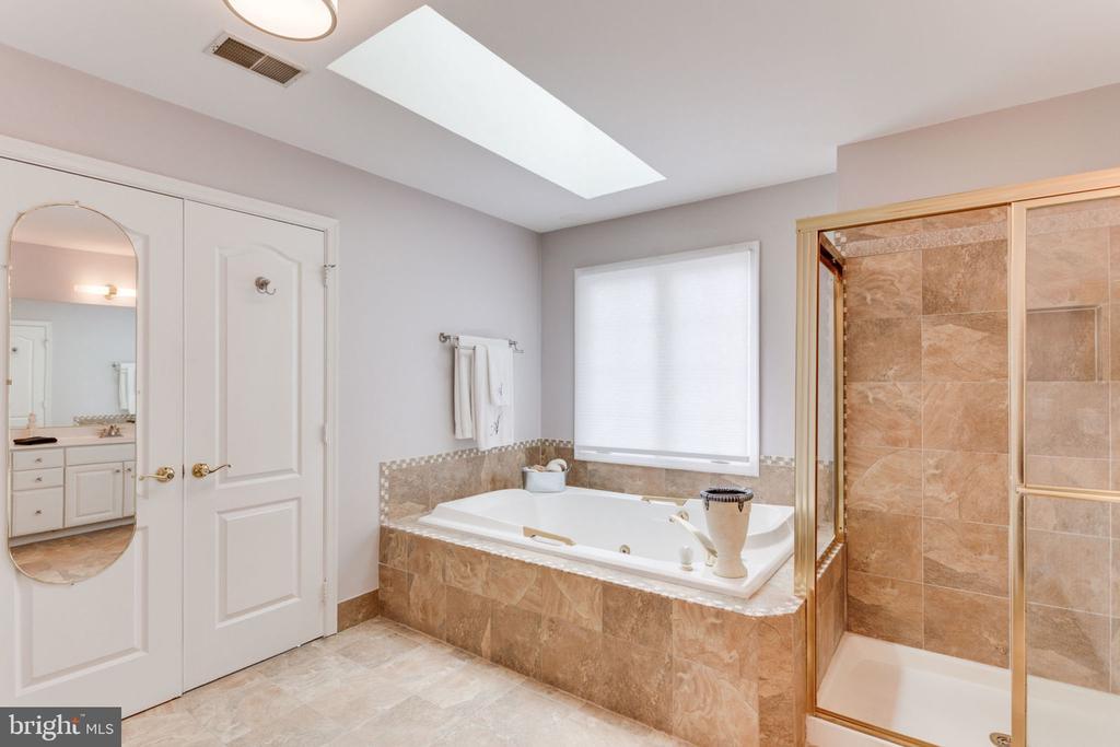 Master Bath - 2232 CENTRAL AVE, VIENNA