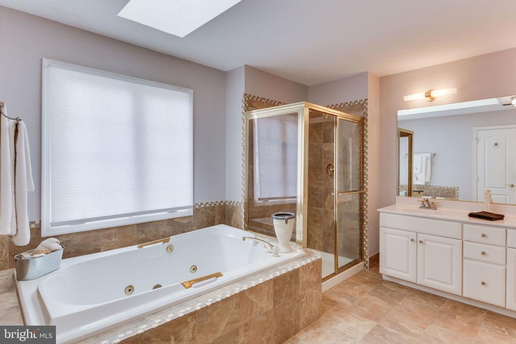 Master Bath Separate Shower - 2232 CENTRAL AVE, VIENNA