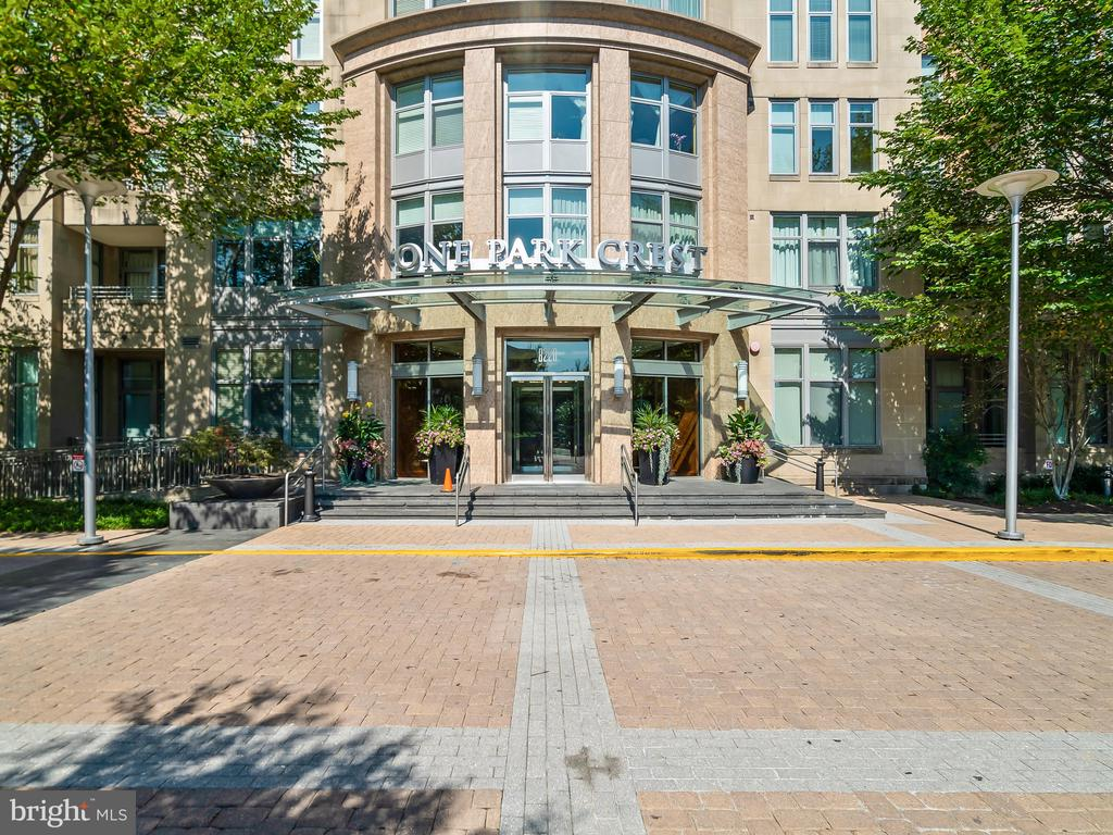 Main Entrance to the building - 8220 CRESTWOOD HEIGHTS DR #1814, MCLEAN
