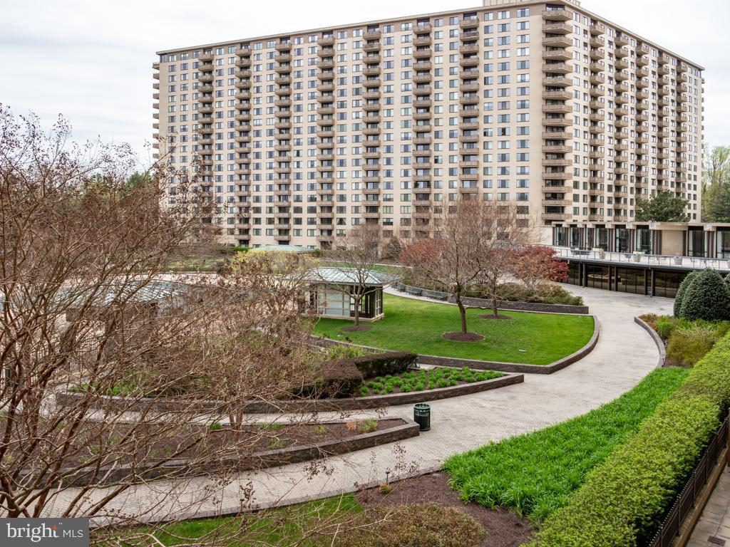 Single Family for Sale at 5225 Pooks Hill Rd #225n Bethesda, Maryland 20814 United States