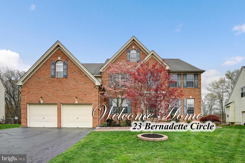 Villa per Vendita alle ore 23 BERNADETTE Circle Monmouth Junction, New Jersey 08852 Stati UnitiIn/In giro: South Brunswick Township