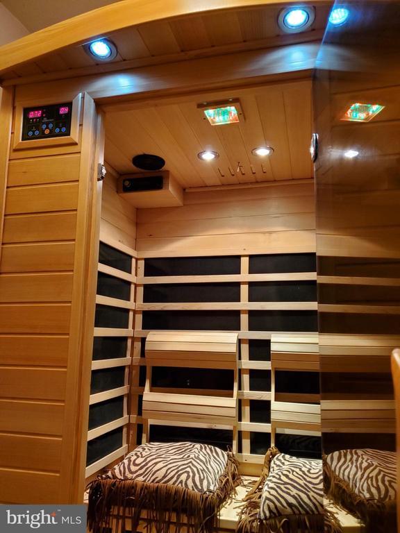 Sauna conveys! - 4152 AGENCY LOOP, TRIANGLE