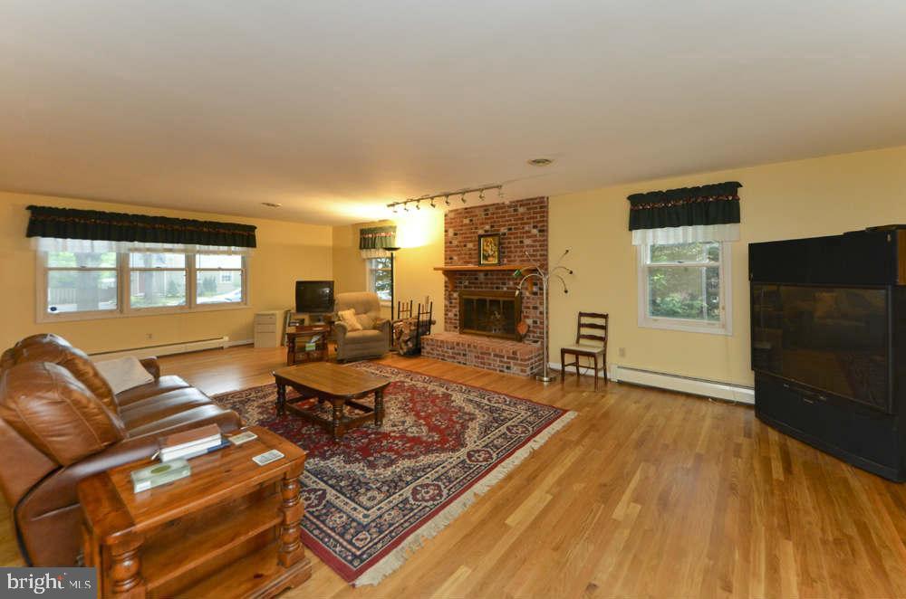 Living Room - 815 S WAKEFIELD ST, ARLINGTON