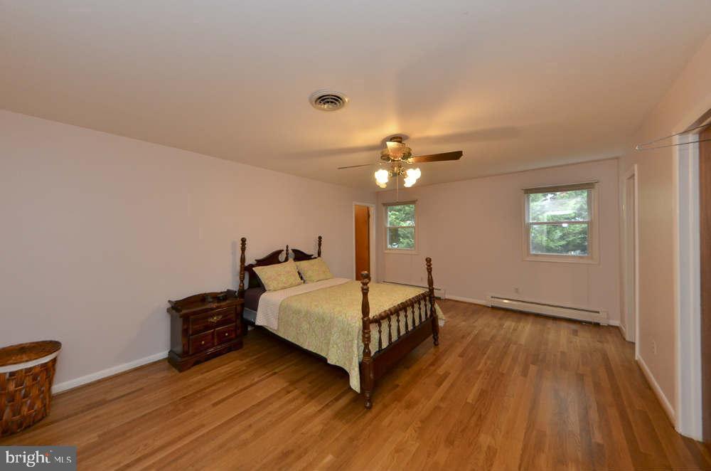 Master Bedroom - 815 S WAKEFIELD ST, ARLINGTON