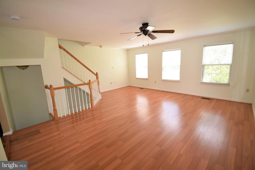 Upper level: Living room - 22953 WHITEHALL TER, STERLING