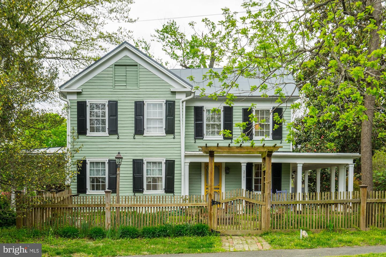 Fairfax Neighborhood Guide | Housing, Restaurants ...