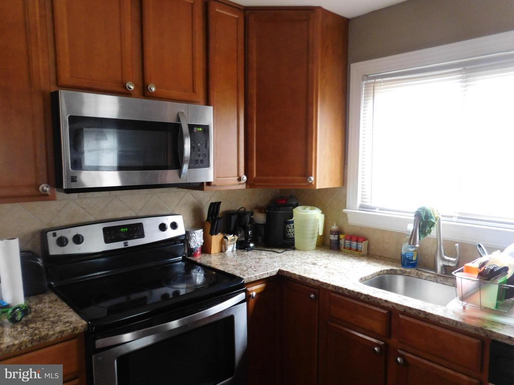 Kitchen - 5332 JAY ST NE, WASHINGTON