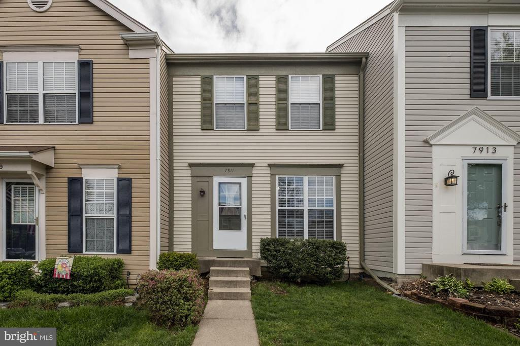 Kingstowne Homes for Sale -  Townhome,  7911  OLD CARRIAGE TRAIL