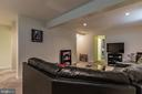Basement to entertain. - 8 GLENGYLE CT, STERLING