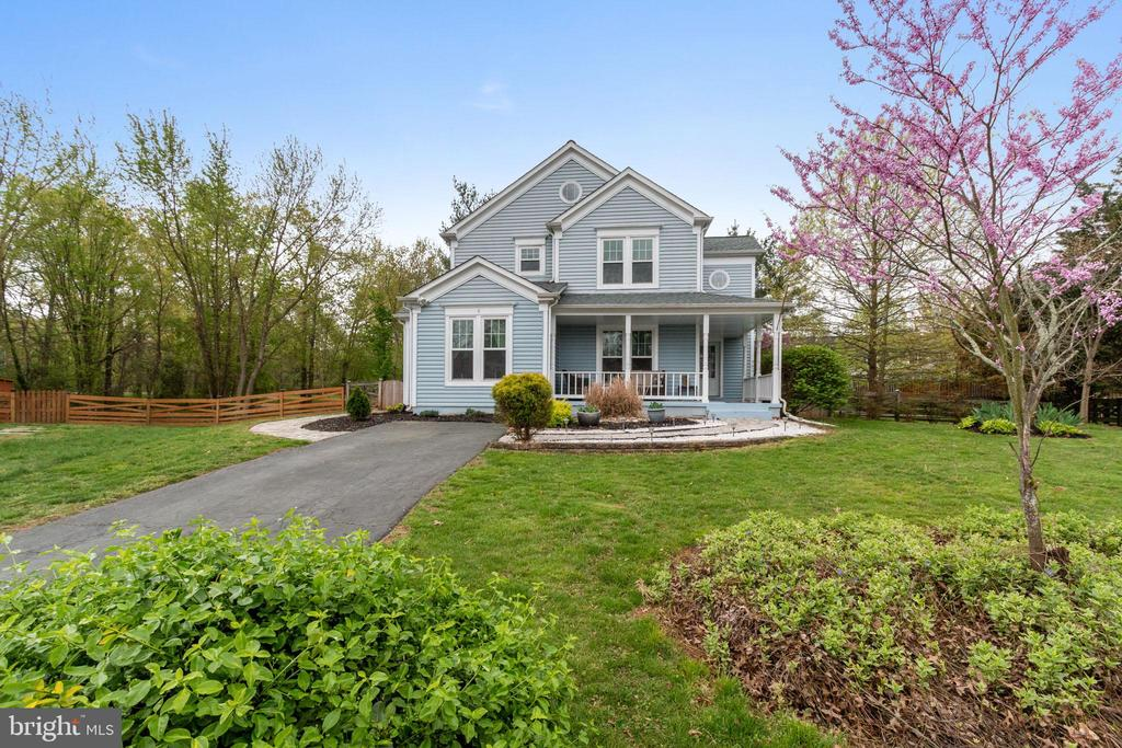 Welcome home to your beautiful Countryside home! - 8 GLENGYLE CT, STERLING