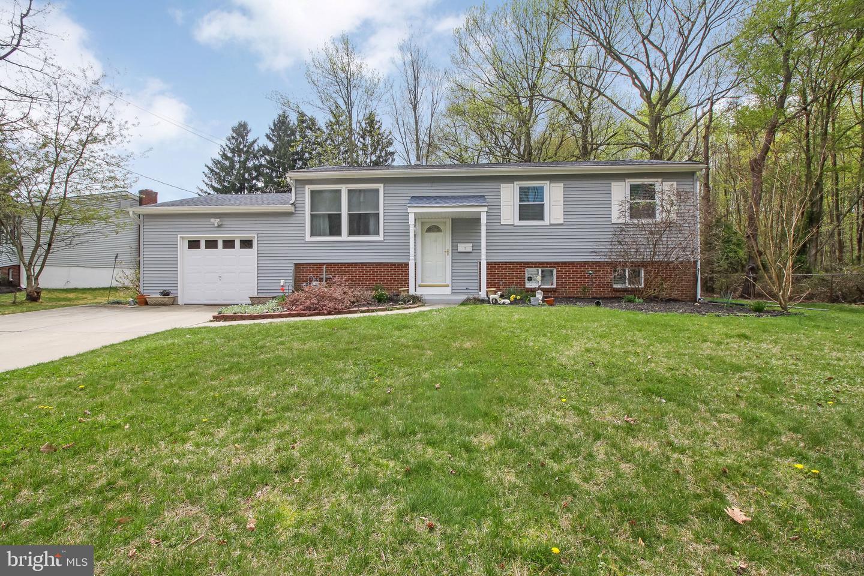 Villa per Vendita alle ore 1 WOODHAVEN Road Gibbsboro, New Jersey 08026 Stati Uniti