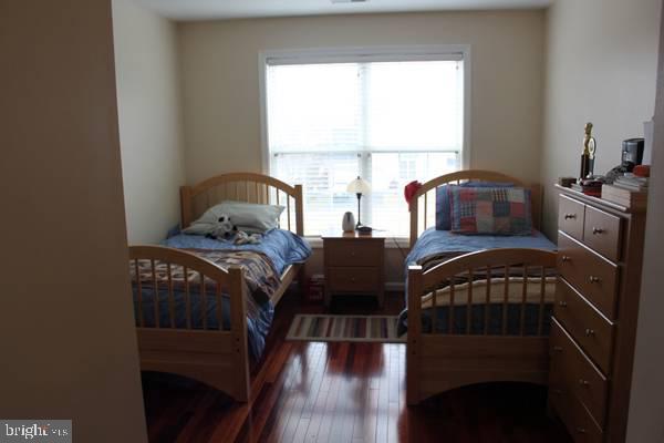 Bedroom 2 (corner) - 43212 GOLF VIEW DR, CHANTILLY