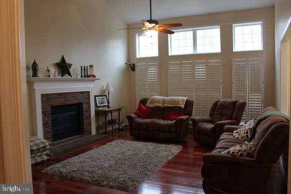 Family Room - 43212 GOLF VIEW DR, CHANTILLY