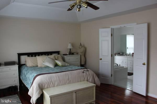 Master Bedroom - 43212 GOLF VIEW DR, CHANTILLY